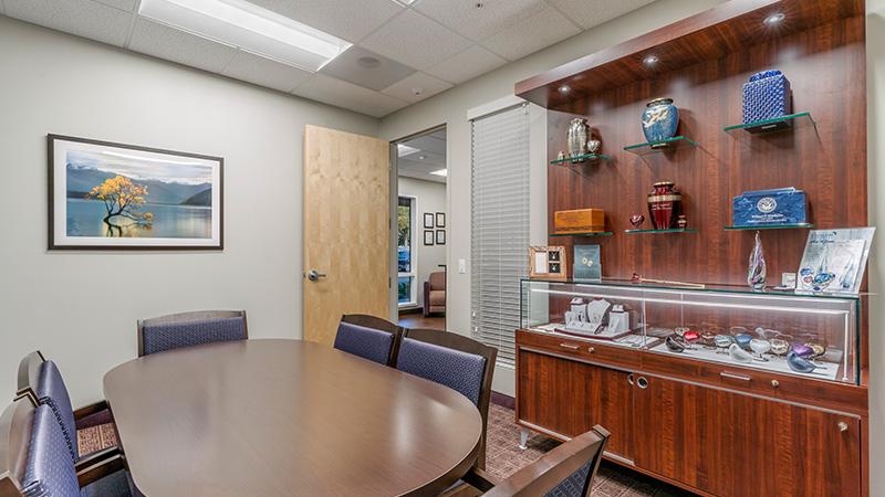 Neptune Society of Fairfield, arrangement room